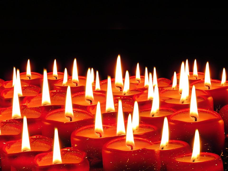 صورة اشكال شموع رومانسية , جو من الرومنسيات من الشموع 2536 5