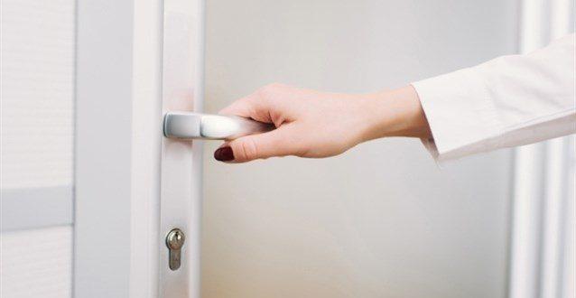 صور فتح الباب في المنام للعزباء , العزباء ورؤيه الباب وفتحه