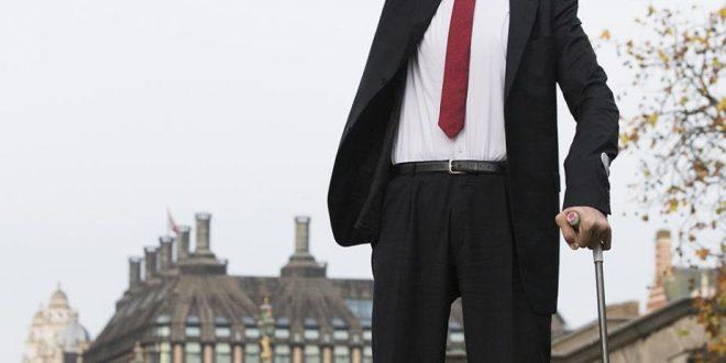 صور من هو اطول رجل في العالم , اوووه اطول رجال العالم