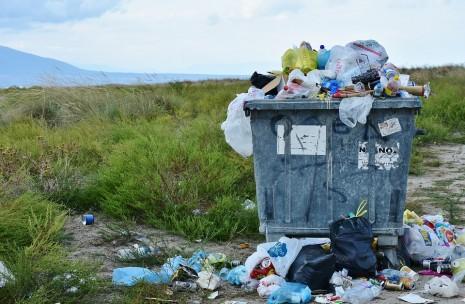 صور تفسير حلم القمامة , اسرار ودلائل رؤيه القمامه فى المنام