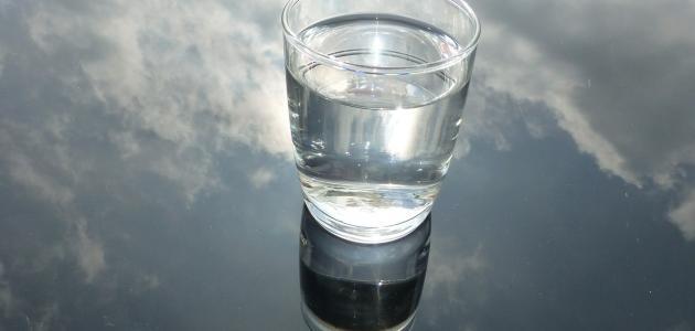 صورة تفسير حلم شرب الماء في كاس , حلمت في رؤياي اني اشرب الماء في كوب 1556 2