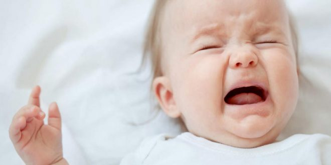 صورة اسباب المغص عند الاطفال , اللام البطن عند الاطفال