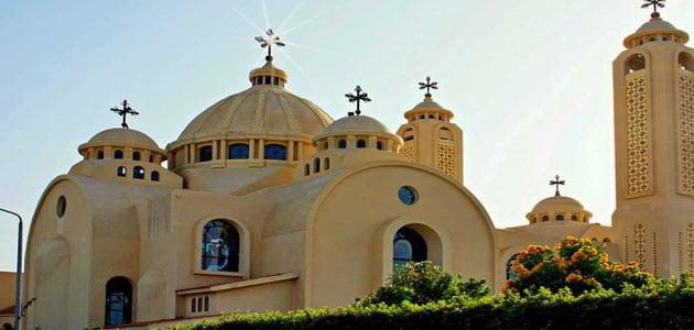 صورة رؤية الكنيسة في المنام , الحلم بالصلاه في الكنيسة
