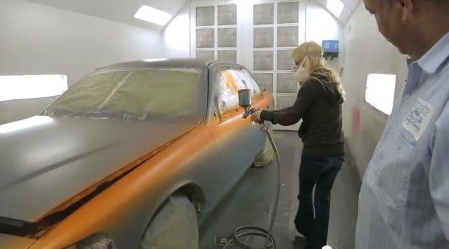 صورة طريقة خلط صبغ السيارات , دهان السيارة الحديثه