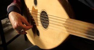 صورة احلى عزف عود , اللات موسيقية صوتها يخطف العقل