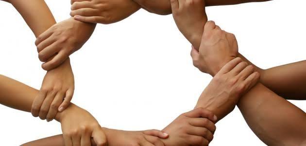 صورة مقال عن التعاون , ما اجمل ان نساعد بعضنا البعض