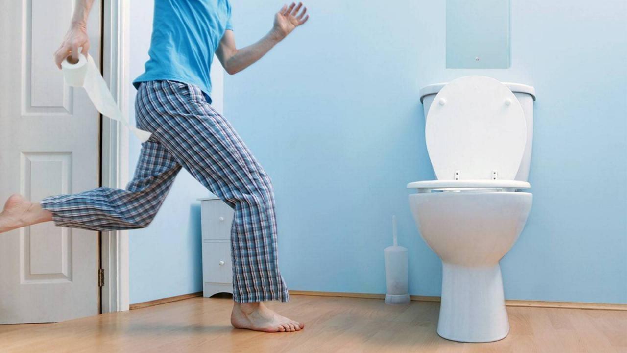 صورة اسباب دخول الحمام كتير , مشاكل صحيه خطيره من اعراضها كثره التبول