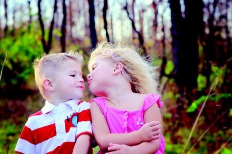 صورة تفسير حلم تقبيل فتاة اعرفها , ما تاؤيل تقبيل الفتاه في الحلم