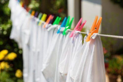 صورة تبييض الملابس البيضاء المصفرة , تخلصي من اصفرار الملابس 5906 9