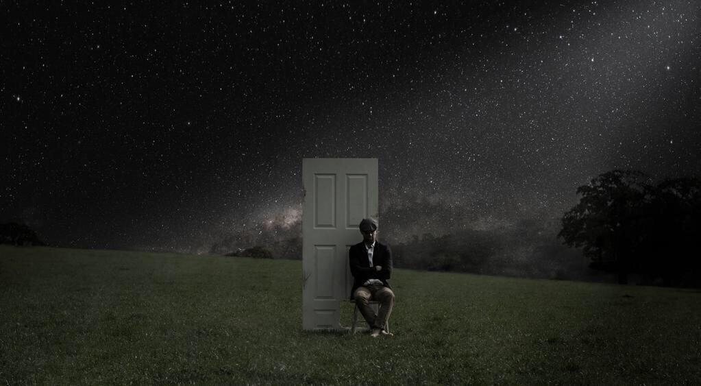 صورة تفسير حلم غلق الباب , تفسير الباب المغلق للعزباء والمتزوجة