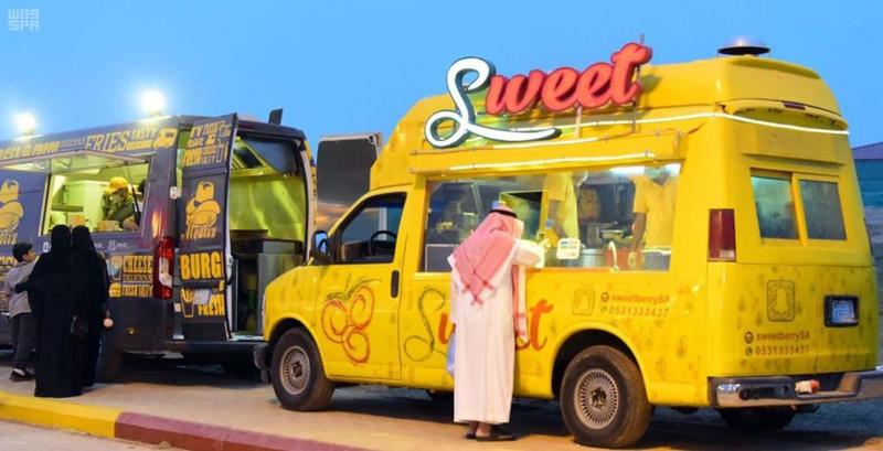 صورة سيارات فود ترك , عربيات الطعام المتنقلة بشكل كلاسيكي