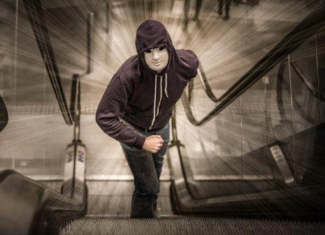 صورة رؤية رجل غريب في المنام لابن سيرين , ظهور شاب غريب في احلامي