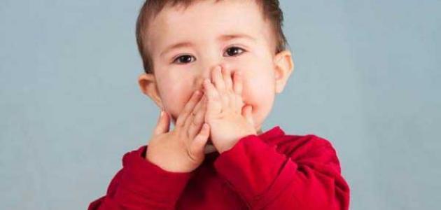 صورة تاخر الكلام عند الاطفال الذكور , لا داعي للقلق حلها بسيط