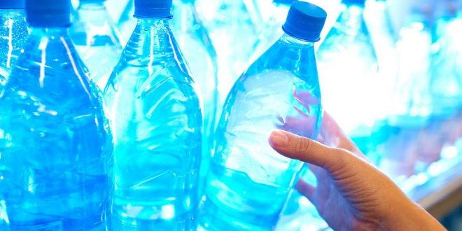 صورة كيف تشعر بتحسن مع اختلاف الماء , فوائد الماء القلوي